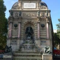 Photo prise au Place Saint-Michel par Fabrice B. le9/1/2012