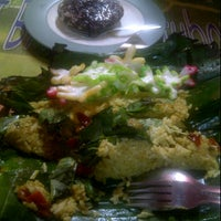 Photo taken at Nasi Bakar & Surabi Bandung Barito by Haya F. on 7/20/2012