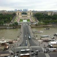 Foto tirada no(a) Restaurant 58 Tour Eiffel por Andie A. em 5/11/2012