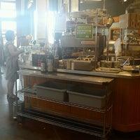 7/17/2012 tarihinde Shereen R.ziyaretçi tarafından Grand Central Baking Company'de çekilen fotoğraf