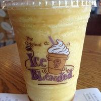 Photo prise au The Coffee Bean & Tea Leaf par Heinie Brian H. le7/31/2012