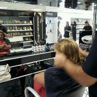 Photo taken at Espaço Unilever Hair Expertise by Rafaela P. on 3/2/2012