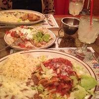 Foto tirada no(a) Tommy's Mexican Restaurant por Matthew em 8/7/2012
