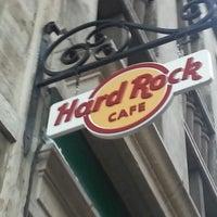 Foto scattata a Hard Rock Cafe Brussels da Audrey G. il 9/7/2012
