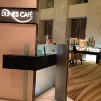 Foto diambil di Dunes Café oleh Ruthella Joy G. pada 3/22/2012