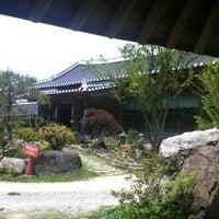 Photo taken at 달맞이흑두부 by Eul-Hyun K. on 5/26/2012