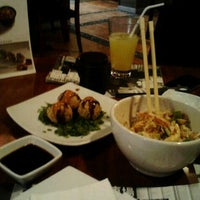Photo taken at Sushi Itto by Bren on 8/30/2012