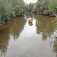 Das Foto wurde bei Зоопарк «Лимпопо» von Aleksey Z. am 9/4/2012 aufgenommen