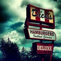 Foto tomada en Dick's Drive-In por TJ H. el 5/1/2012