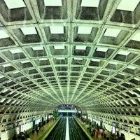 9/2/2012 tarihinde Zahid Z.ziyaretçi tarafından Gallery Place - Chinatown Metro Station'de çekilen fotoğraf