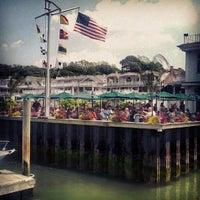 Das Foto wurde bei Wave Seafood Kitchen von Evan C. am 5/26/2012 aufgenommen