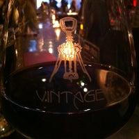 Foto tirada no(a) Vintage Wine Bar por Bobbi B. em 5/10/2012