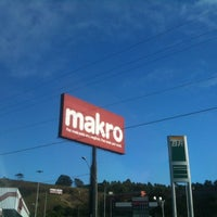 Photo taken at Makro by Doido M. on 8/21/2012