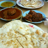 Photo taken at L.K Maju Restaurant by Tan E. on 7/4/2012