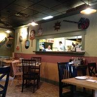 Das Foto wurde bei Emma's Pizza von Timur Z. am 9/4/2012 aufgenommen