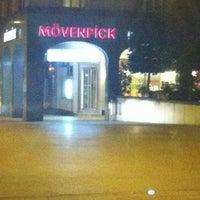 Foto diambil di Mövenpick Hotel Touring oleh Montserrat V. pada 3/13/2012