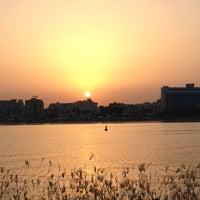 Das Foto wurde bei Nafoura - Park Hyatt von Sa7ar bint M. am 8/30/2012 aufgenommen