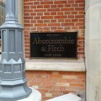 Das Foto wurde bei Abercrombie & Fitch von Weste® ba® key J. am 5/13/2012 aufgenommen