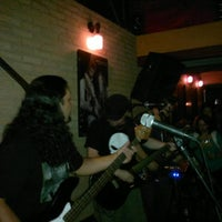 Foto tomada en Blues On The Rocks  por Fernanda K. el 2/20/2012