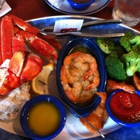 Photo taken at Red Lobster by Adilson A. on 7/22/2012