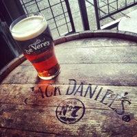 Photo taken at de Vere's Irish Pub by Austin W. on 8/13/2012