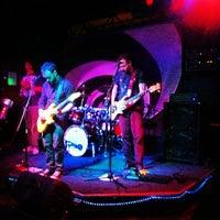 Das Foto wurde bei The White Rabbit von Erik P. am 6/10/2012 aufgenommen