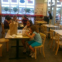 Photo taken at Five Guys by Dennis R. on 7/29/2012