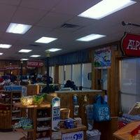 รูปภาพถ่ายที่ Trader Joe's โดย Paul K. เมื่อ 2/20/2012