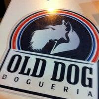 Photo taken at Old Dog Dogueria by Leonardo I. on 3/14/2012