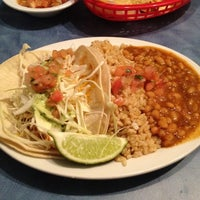 Photo taken at Wahoo's Tacos & More by LR Y. on 2/27/2012