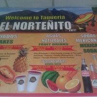 รูปภาพถ่ายที่ Taqueria El Nortenito โดย Damon J. เมื่อ 6/16/2012