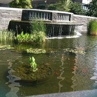 Foto tirada no(a) Nelson A. Rockefeller Park por 💕Linds💕 em 7/21/2012