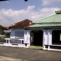 Photo taken at Masjid annur by Bocah Tua N. on 5/18/2012