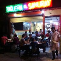 Photo taken at Tacos El Samuray by Humberto T. on 7/13/2012