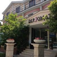 Das Foto wurde bei Diplomat Hotel von Lefteris N. am 5/3/2012 aufgenommen