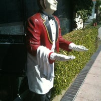 Photo taken at North Hollywood Diner by Chapen H. on 2/22/2012
