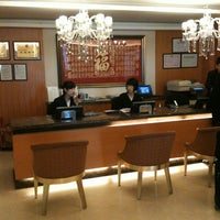 Photo taken at FAIRMONT RESIDENCE[福泰酒店公寓] by In Cheol P. on 2/26/2012