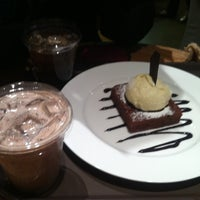 Photo taken at DE CHOCOLATE COFFEE by EunJu C. on 3/20/2012