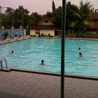 รูปภาพถ่ายที่ Kolam Renang Gelanggang Sunter โดย Wage S. เมื่อ 2/28/2012