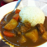 Foto tirada no(a) Waka House Japanese Food por estudio m. em 6/18/2012