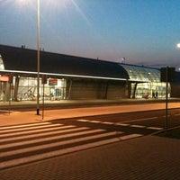 Foto diambil di Warsaw-Modlin Airport oleh hatek pada 8/3/2012