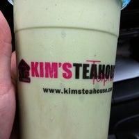 Foto scattata a Kim's Tea House da Mannasyle C. il 3/13/2012