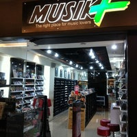 Photo taken at Musik plus @Setiabudi One by Tjuntaraga on 4/7/2012