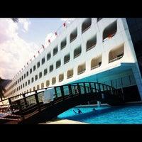 Photo taken at Queen Elizabeth Elite Suite Hotel by Cihan Y. on 7/6/2012