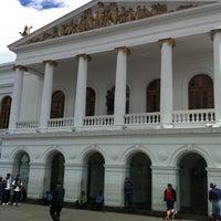 Foto tomada en Teatro Sucre por Juan G. el 5/15/2012