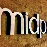 Foto diambil di Midpoint oleh Özge E. pada 7/31/2012