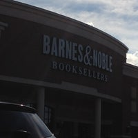 Photo taken at Barnes & Noble by Marianne on 8/21/2012