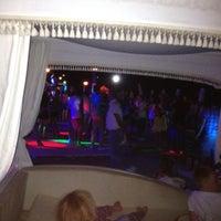 8/5/2012 tarihinde Tolga O.ziyaretçi tarafından Nirvana Beach Club'de çekilen fotoğraf