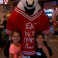 Foto tirada no(a) Chick-fil-A por Leah W. em 3/30/2012