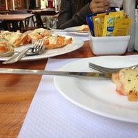 Foto tirada no(a) O Vizinho por Pedro B. em 5/17/2012